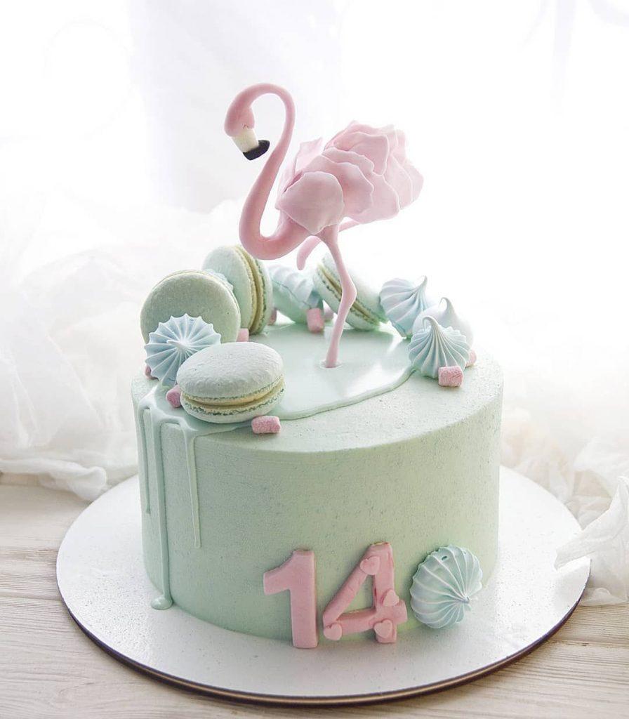 Торт на день рождения для подруги из мастики - фото (8)