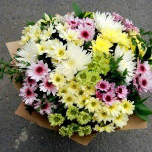 Букеты из цветов на 1 сентября - фото идеи (9)