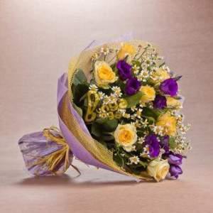 Лучшие букеты из роз на 1 сентября фото (25)