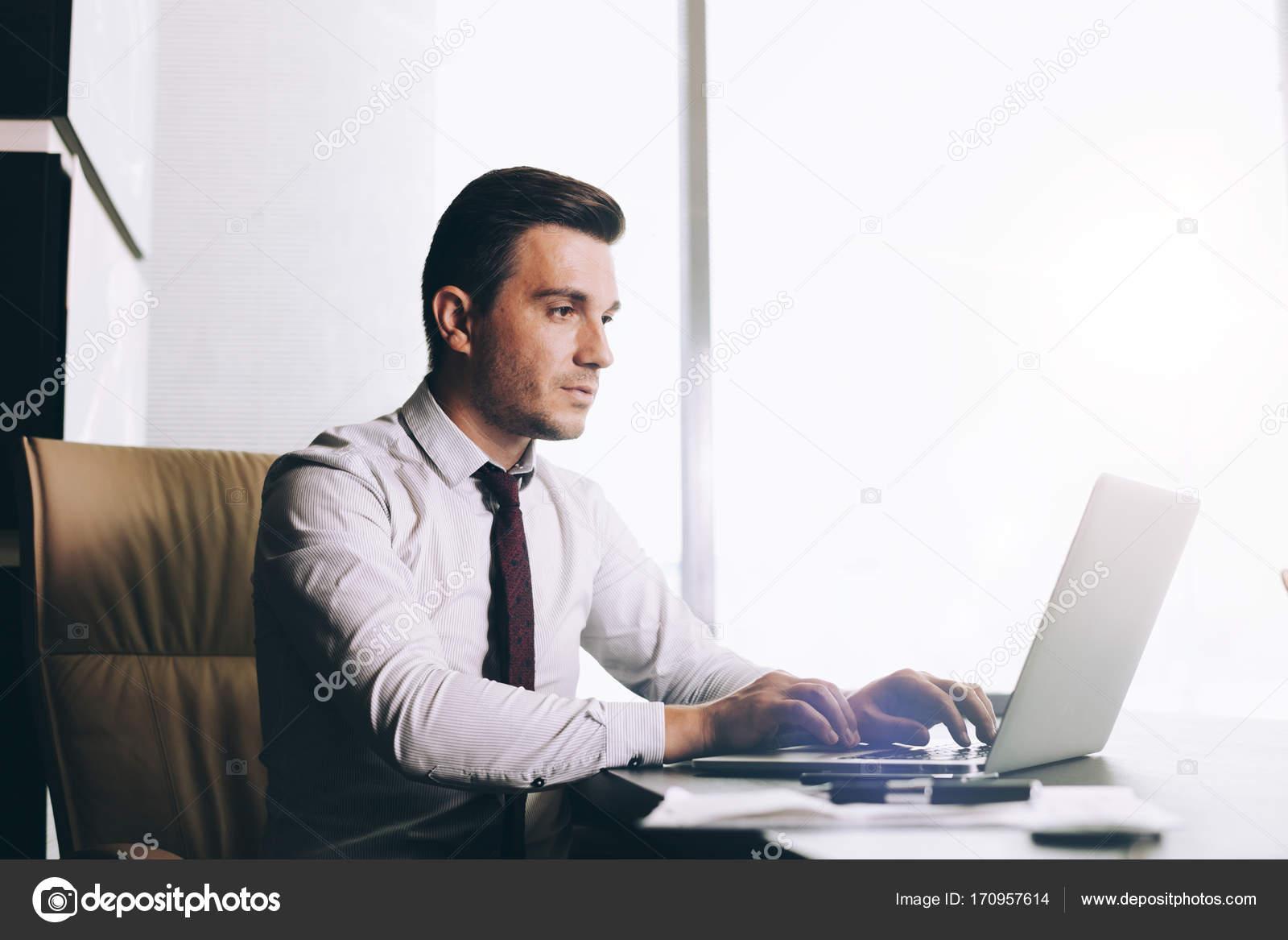 Прикольные картинки мужчина в офисе (3)