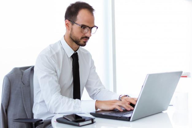 Прикольные картинки мужчина в офисе (9)