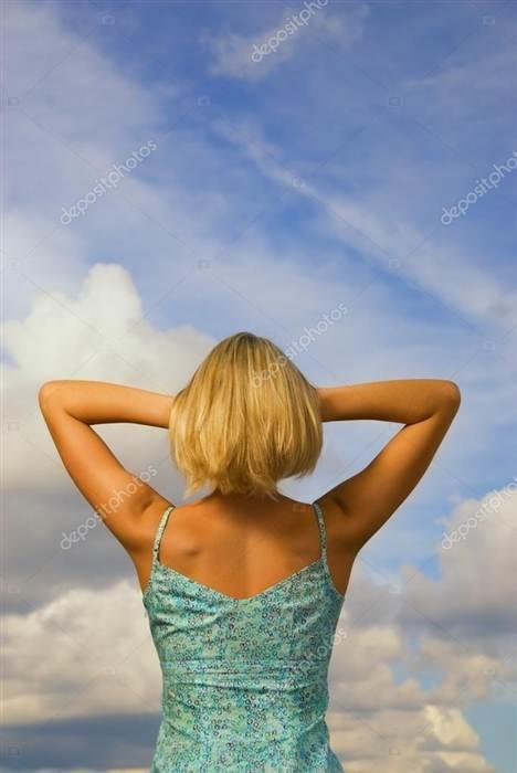 Блондинки с короткими волосами на аву со спины016
