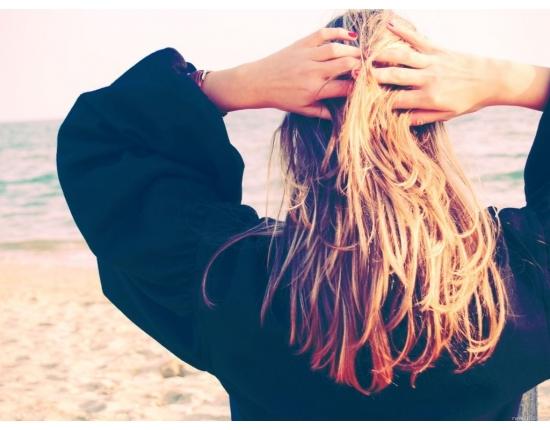 Блондинки с короткими волосами на аву со спины023