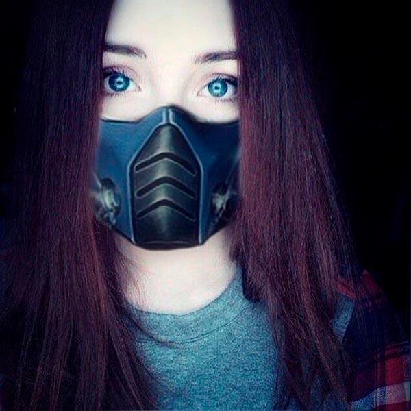 Девушка в маске фото на аву в ВК001