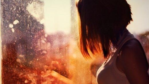 Девушка на аву со спины с короткими волосами012