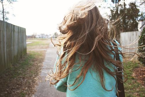 Девушка сзади фото на аву с русыми волосами006