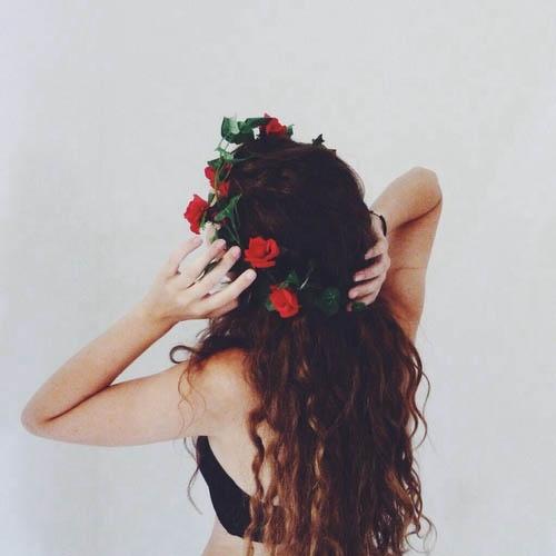 Девушка с цветами фото со спины на аву003