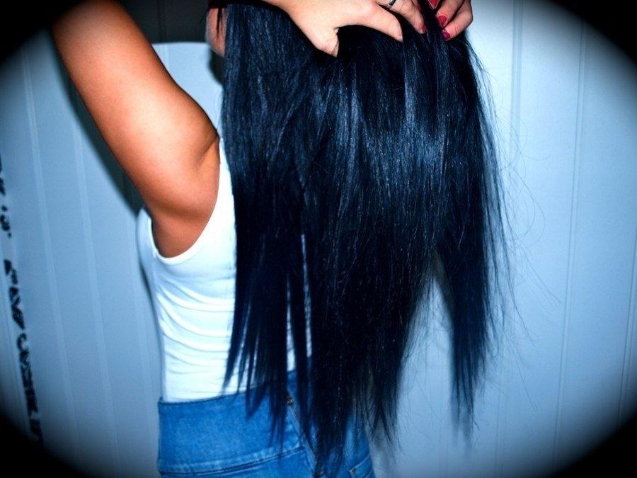 Девушки брюнетки со спины с длинными волосами на аву016