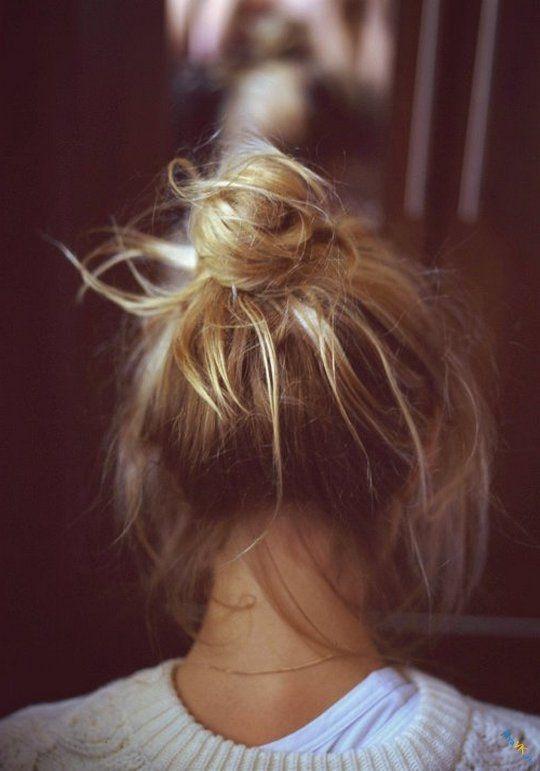Девушки со спины осенью с русыми волосами004