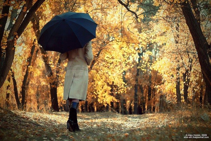 Девушки со спины осенью с русыми волосами020