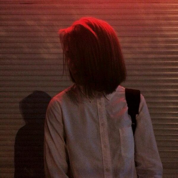 Девушки с короткой стрижкой со спины фото на аву (31)
