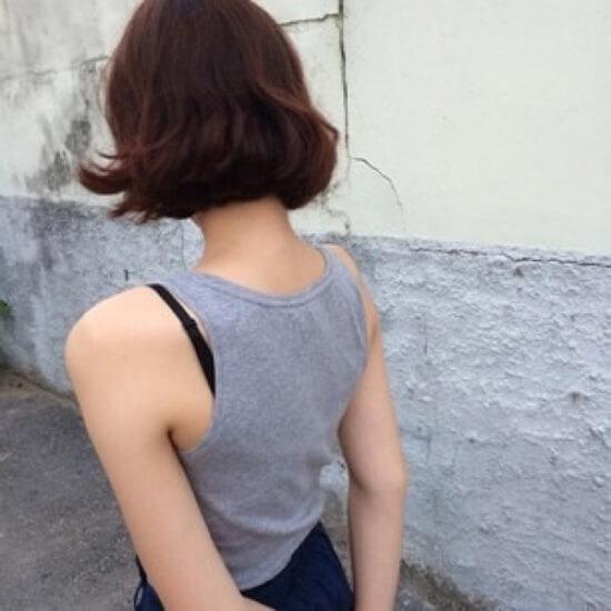 Девушки с короткой стрижкой со спины фото на аву (4)