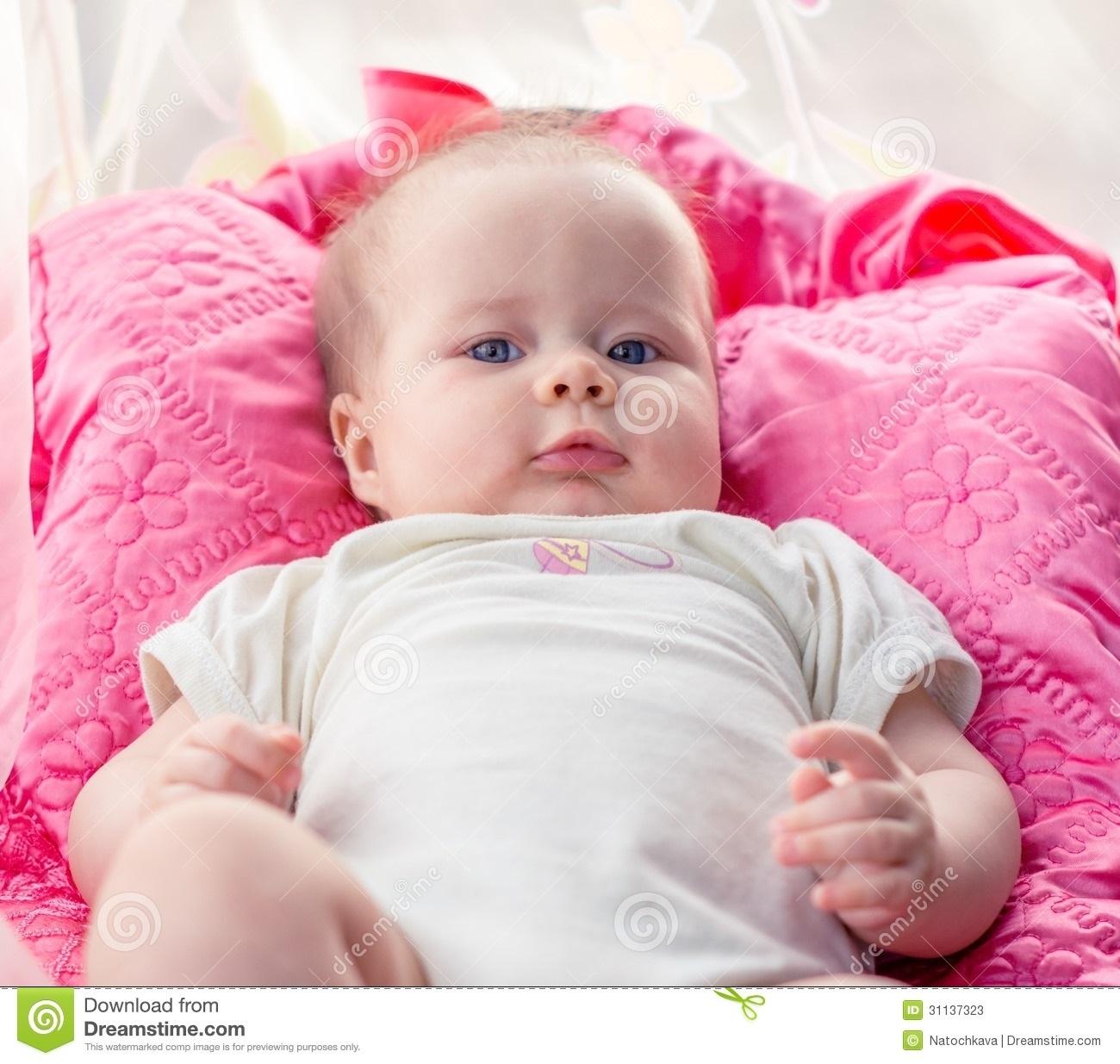 Дети маленькие с голубыми глазами007