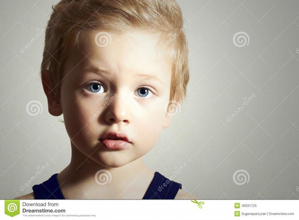 Дети маленькие с голубыми глазами010