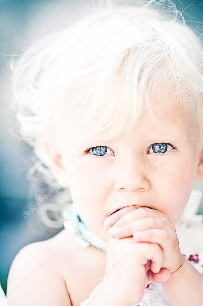 Дети маленькие с голубыми глазами016