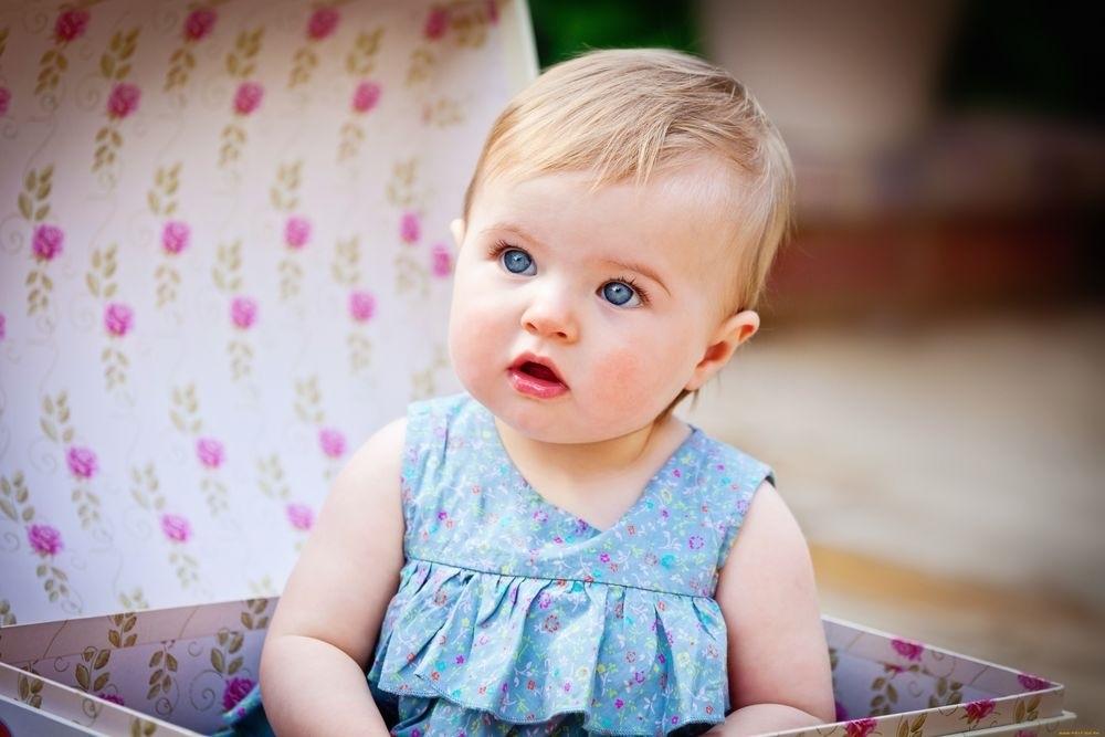 Дети маленькие с голубыми глазами018