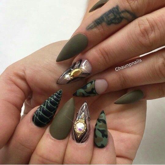 Как на ногтях нарисовать камуфляж009