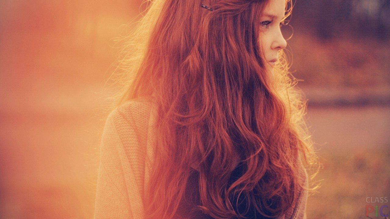 Картинка на аву для девушки блондинки осень со спины (12)