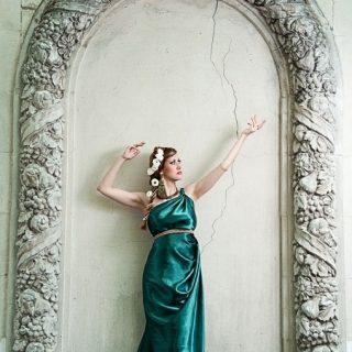 Красивая фотосессия греческая богиня005
