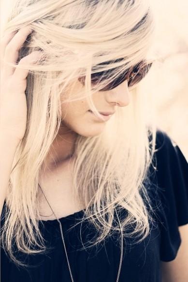 Красивое фото на аватарку для девушек блондинок009