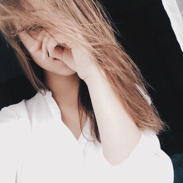 Красивое фото на аватарку для девушек блондинок015