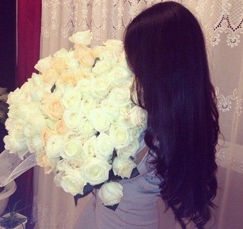 Красивое фото на аву для девушки с цветами010