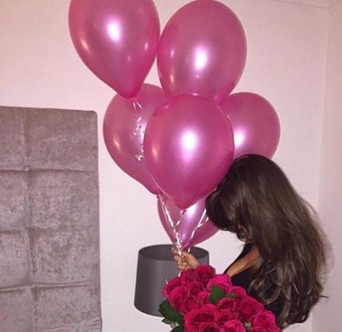 Красивое фото на аву для девушки с цветами021