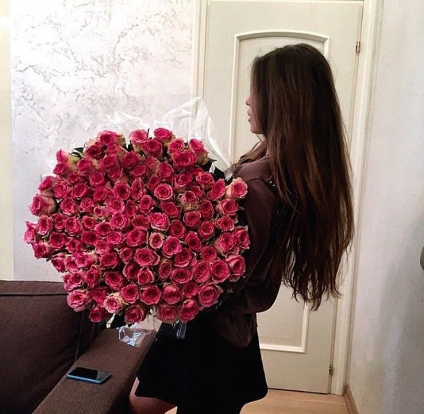 Красивое фото на аву для девушки с цветами025