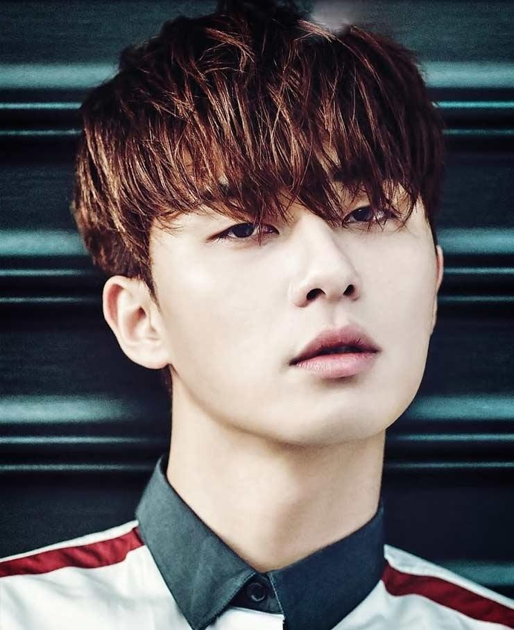 Красивые и горячие корейские парни фото011