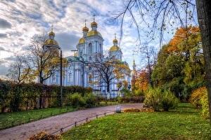 Красивые картины церковь осенью003