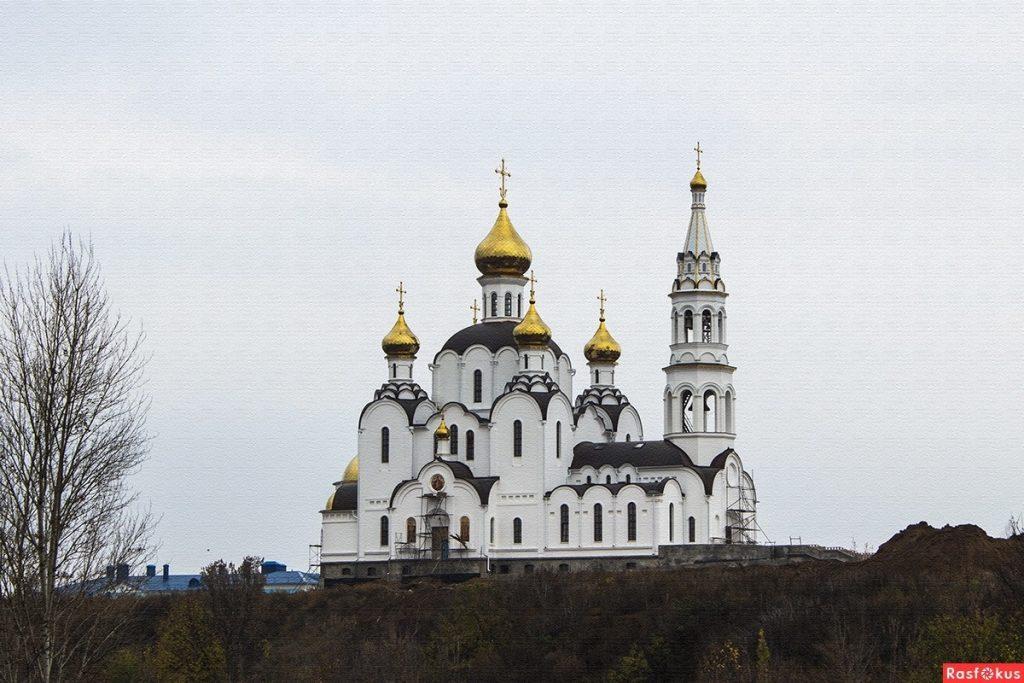 Красивые картины церковь осенью004