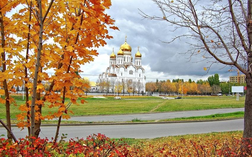 Красивые картины церковь осенью020