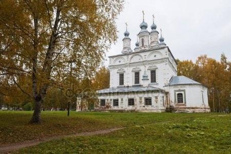 Красивые картины церковь осенью025