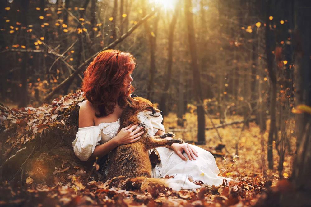 Красивые фото девушек в осеннем лесу - подборка (10)