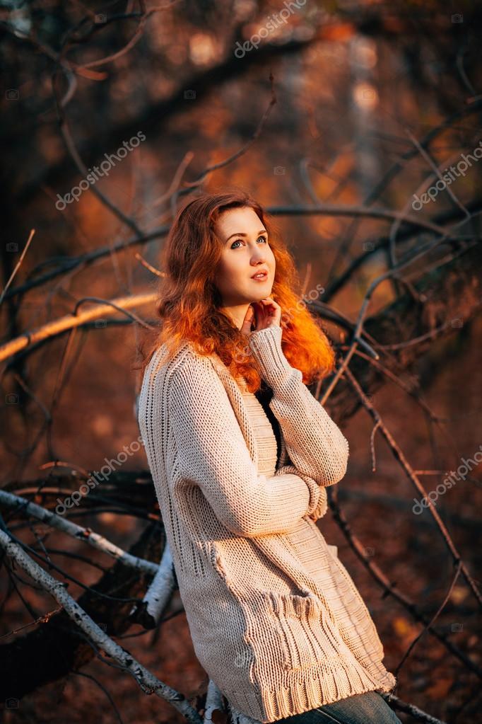 Красивые фото девушек в осеннем лесу - подборка (14)
