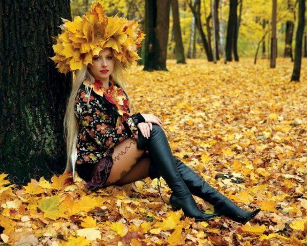 Красивые фото девушек в осеннем лесу - подборка (2)