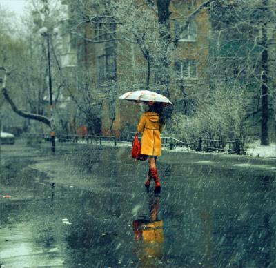 Красивые фото девушек осенью со спины с зонтом (5)
