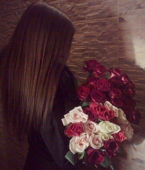 Красивые фото девушек с цветами без лица на аву (21)