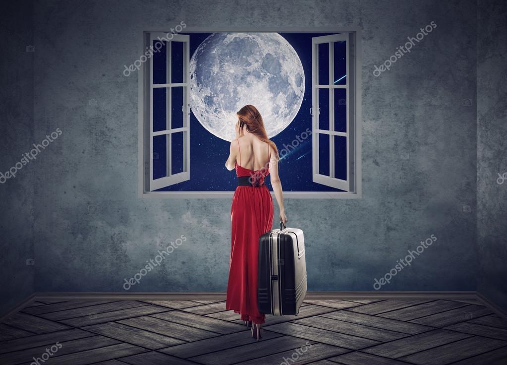 Красивые фото девушка на фоне луны023