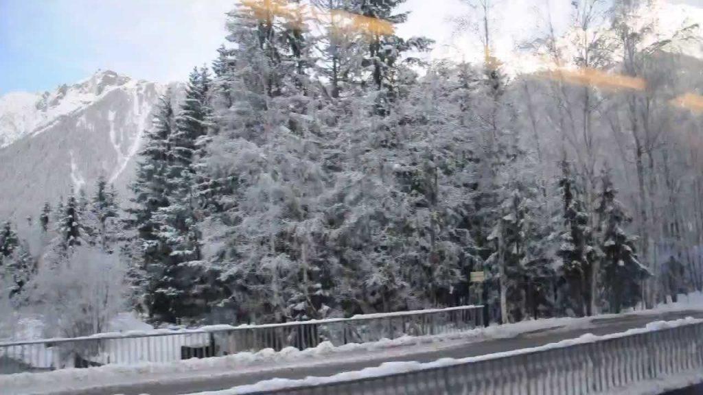Красивые фото зимнего вида из окна006