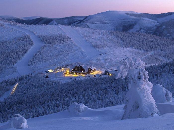 Красивые фото зимнего вида из окна015