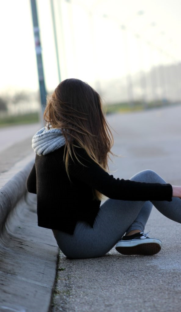 Красивые фото на аву для девушек брюнеток без лица (18)