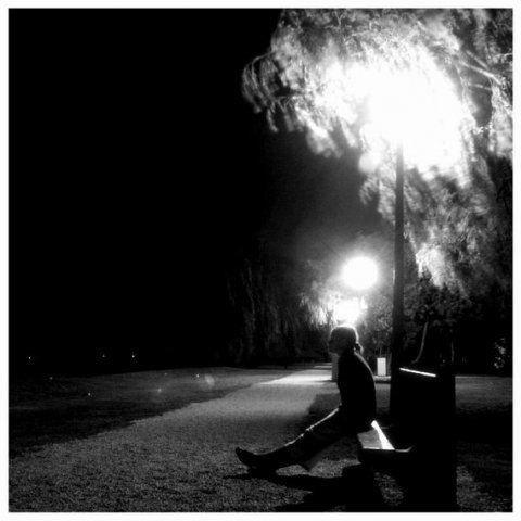 Красивые черно-белые рисунки про грусть005