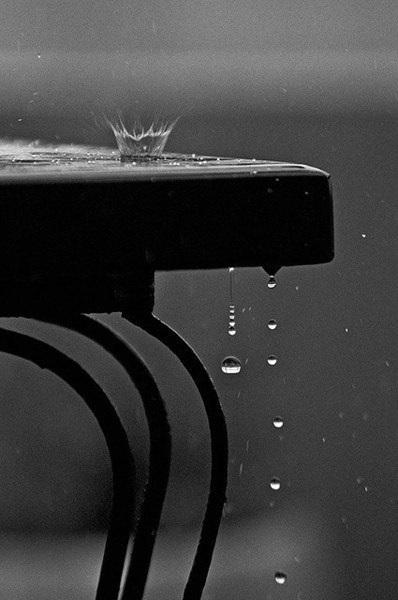 Красивые черно белые рисунки про грусть007