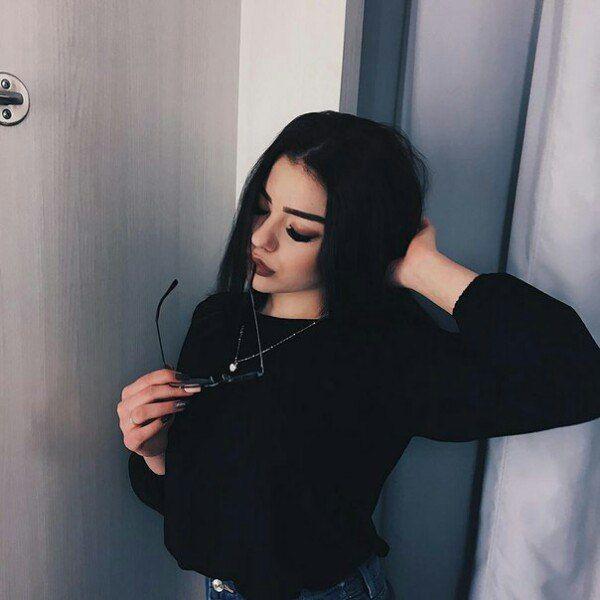 Красивыке картинки на аву девушек с черными волосами без лица (15)