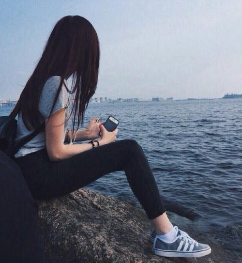 Красивыке картинки на аву девушек с черными волосами без лица (16)
