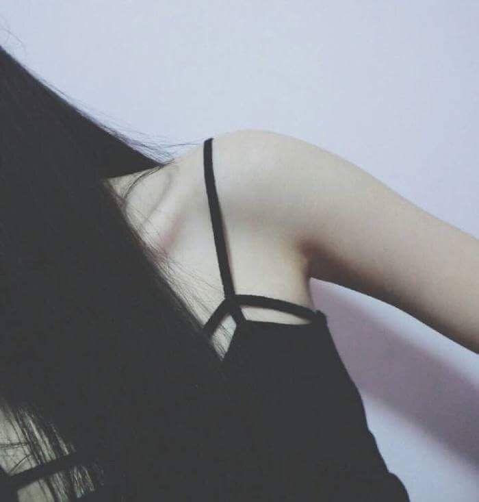 Красивыке картинки на аву девушек с черными волосами без лица (21)