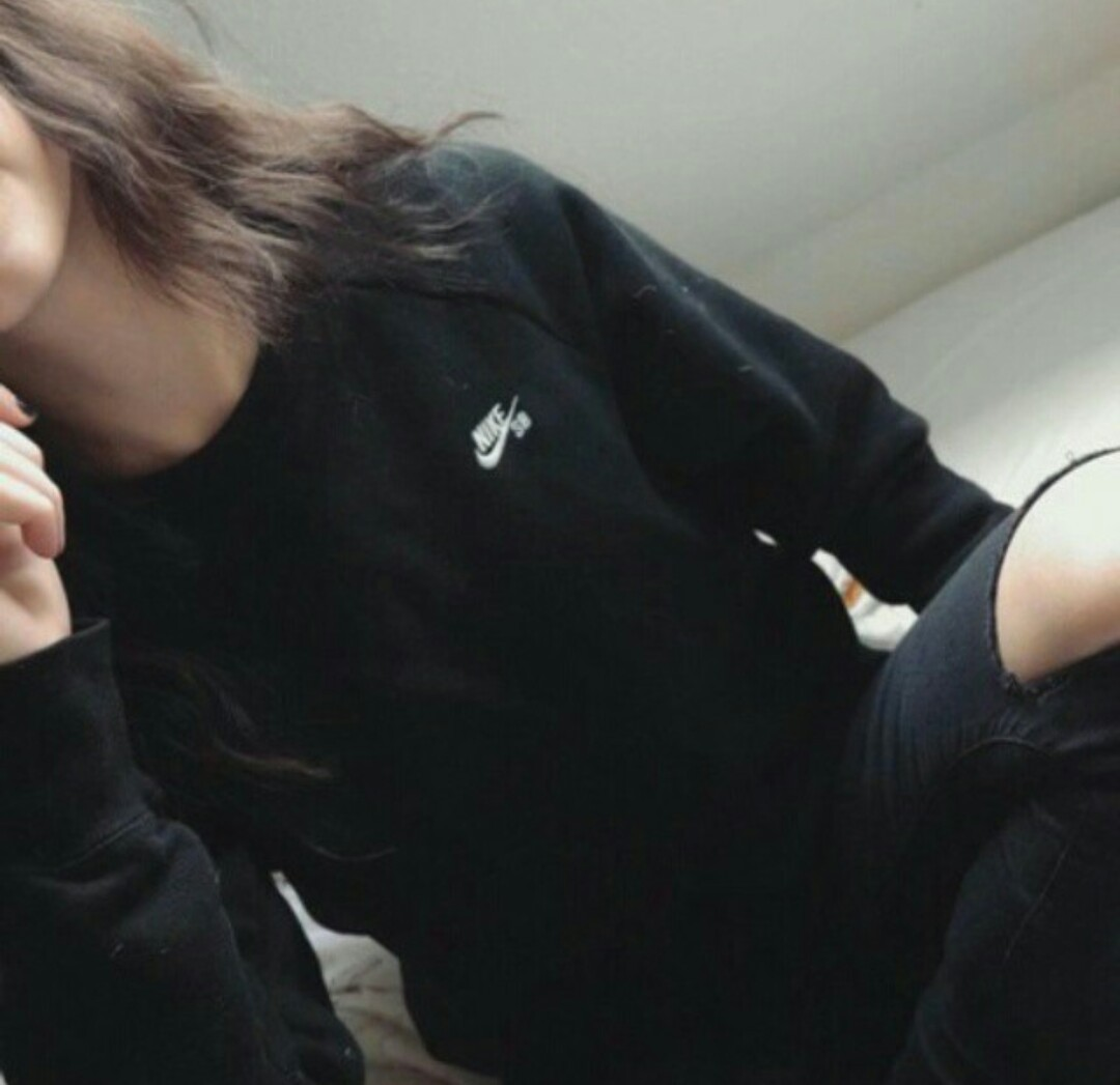 Красивыке картинки на аву девушек с черными волосами без лица (32)