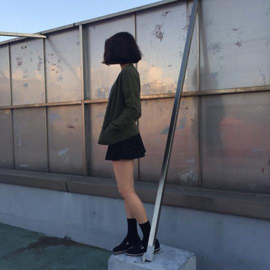 Красивыке картинки на аву девушек с черными волосами без лица (36)