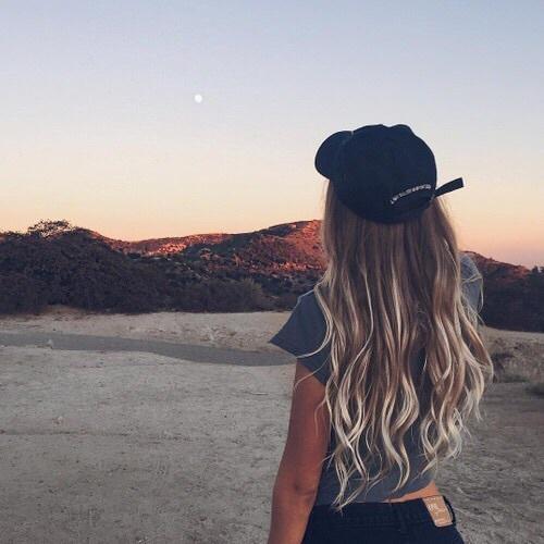 Крутые картинки для девушек на аву со спины023